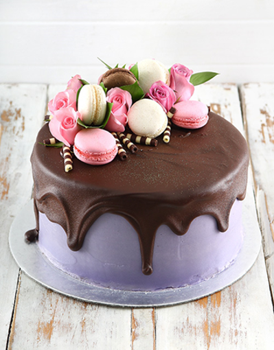 Picture of Lilac Macaroon Cake